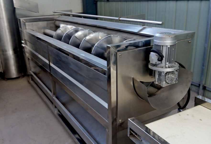 Машины щеточные для мойки и полировки корнеплодов GB-2600