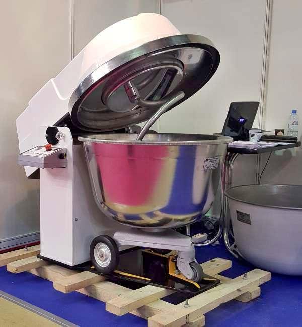 Тестомесильная машина ТМ-140М2