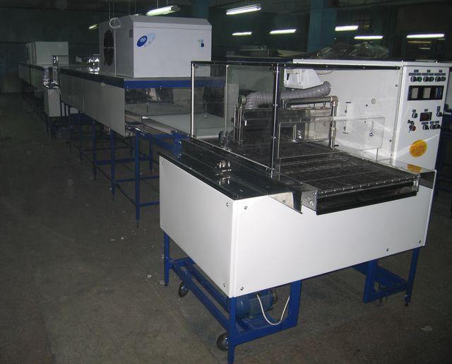 Комплект оборудования для глазирования кондитерских изделий с шириной конвейера 400 мм.
